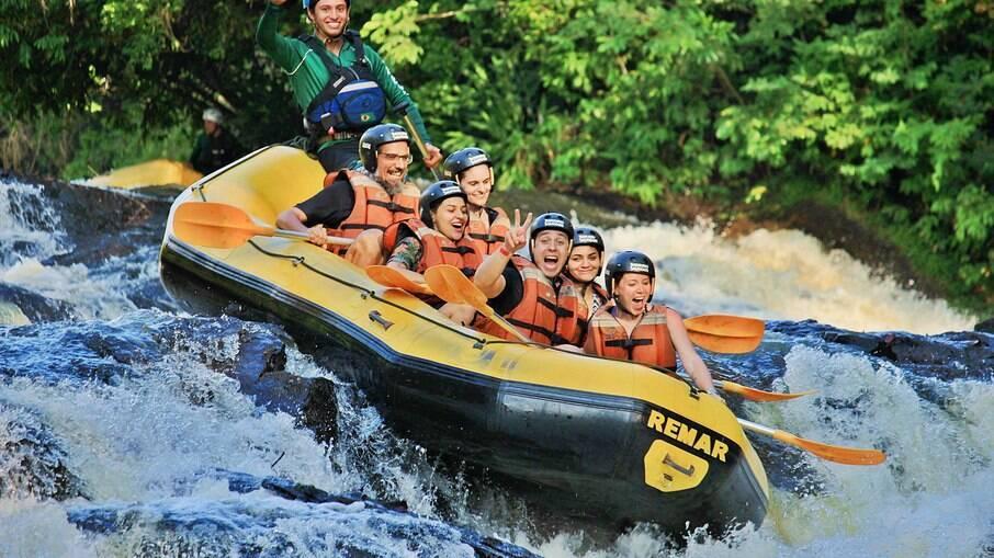 O rafting é uma das atrações em Brotas que atrai quem gosta de adrenalina