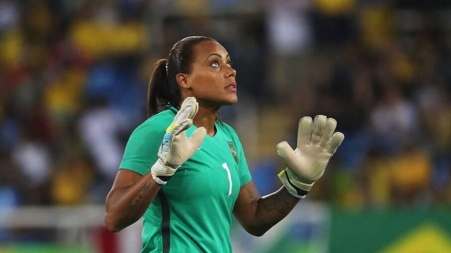 Bárbara defende o Brasil e também o clube Avaí/Kindermann, de Santa Catarina
