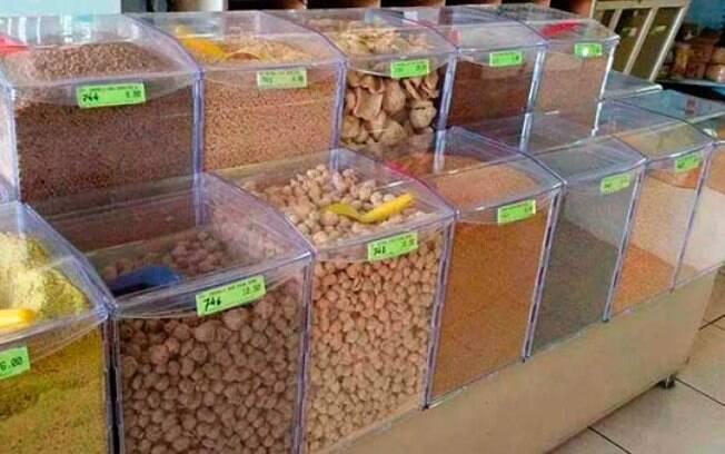 A ração a granel pode trazer riscos à saúde do pet e prejudicar a alimentação dele