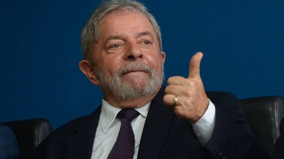 Ex-presidente Lula venceu Bolsonaro em simulação de 2º turno