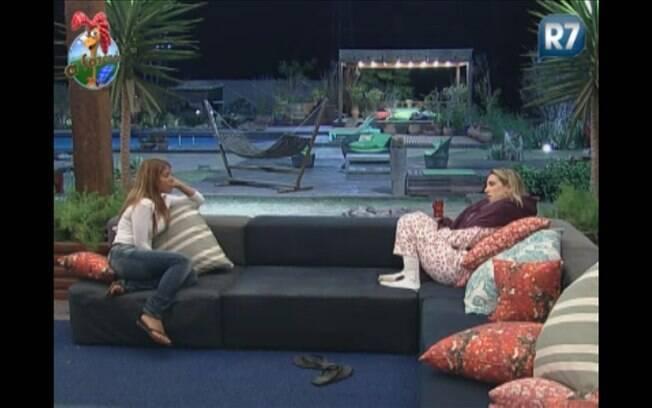 Raquel desabafa para Joana e diz que a peoa a magoou