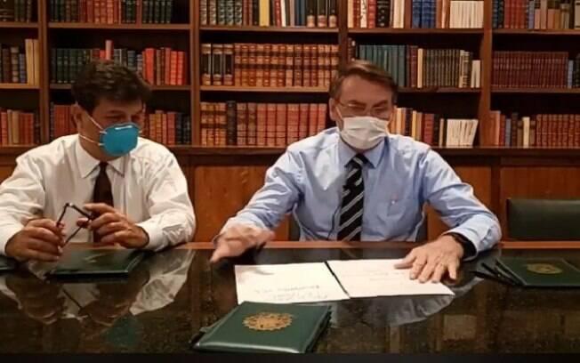 dois homens de máscara
