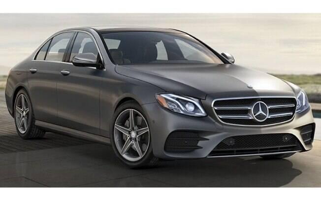 O Mercedes Benz Classe E é o líder entre os sedãs grandes superluxosos no mercado brasileiro