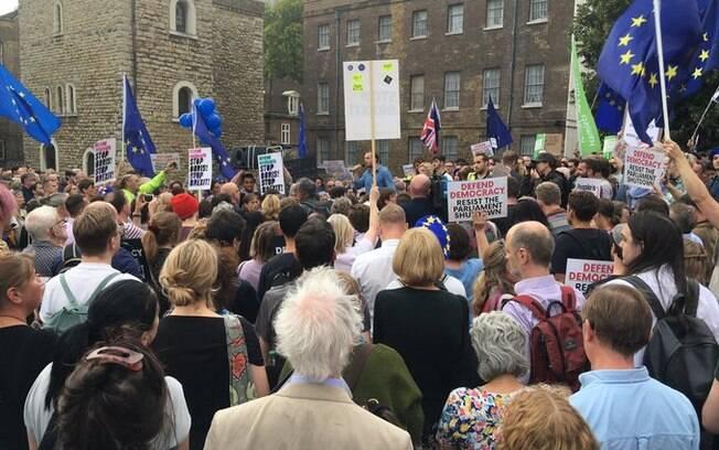 Além de Londres, protestos foram convocados em Edimburgo, na Escócia, Manchester, Cambridge e Cardiff, no País de Gales