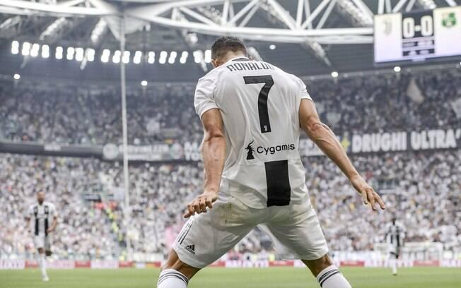 Cristiano Ronaldo e sua tradicional comemoração de gol