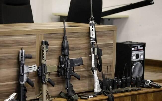 Armas apreendidas por policiais após ação em Itaguaí que terminou na morte de 12 milicianos