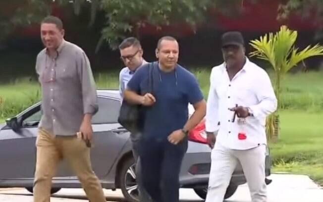Neymar pai visitou o CT do Flamengo