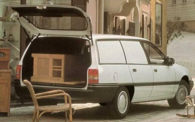 Opel Omega Caravan Van: perua que servia como  utilitário e bom espaço com apenas os bancos dianteiros
