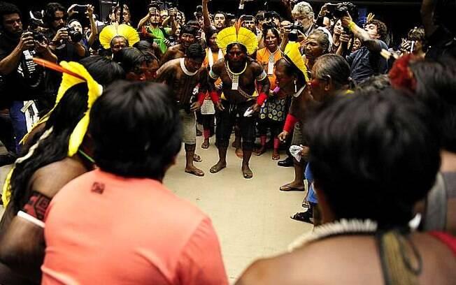 Centenas de índios ocupam neste momento o Plenário Ulysses Guimarães, onde se inicia uma sessão solene em comemoração ao Dia do Índio