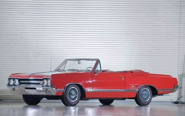 Oldsmobile Cutlass 1966 Conversível  que Roberto Carlos também teve na sua coleção de carrões