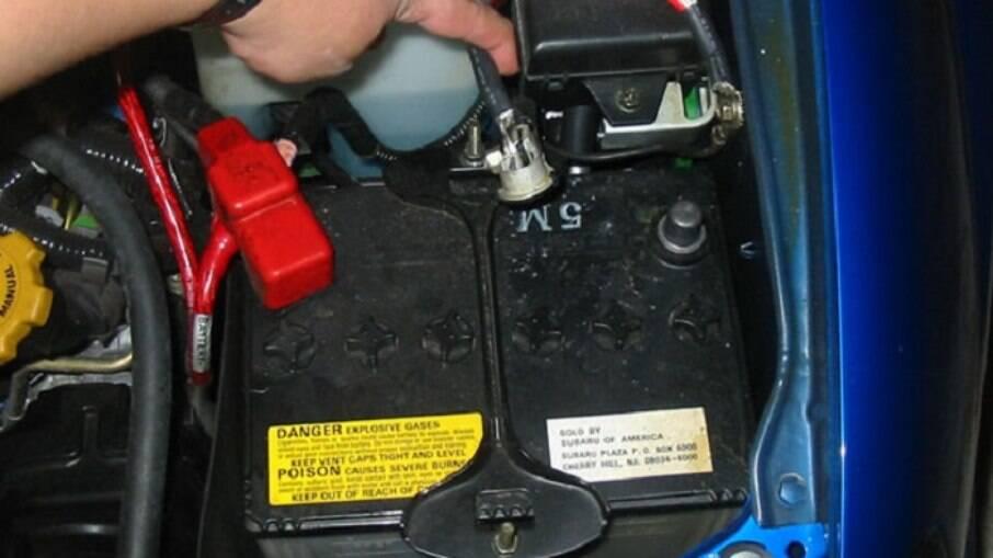 No frio, há uma exigência maior da bateria do carro, principalmente na partida a frio
