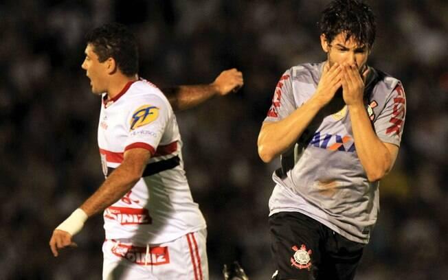Pato lamenta gol perdido no empate contra o  Botafogo de Ribeirão Preto