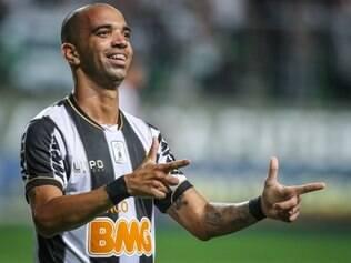 Tardelli fez belo gol de falta em passeio do Atlético sobre o Náutico, no Independência