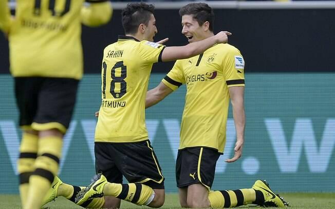 Borussia Dortmund goleou Freiburg por 5 a 1  pelo Campeonato Alemão