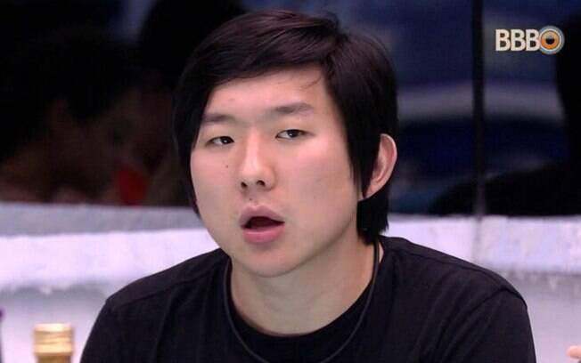 Pyong teria chantageado ficante