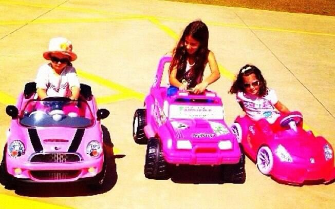 Rafaella, Clara e Maria em seus