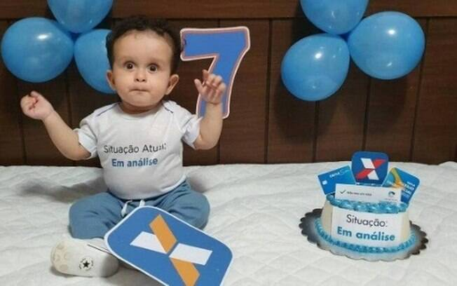 Henrique completou 7 meses no último dia 24 e celebrou seu 'mesversário' com o tema auxílio de R$ 600