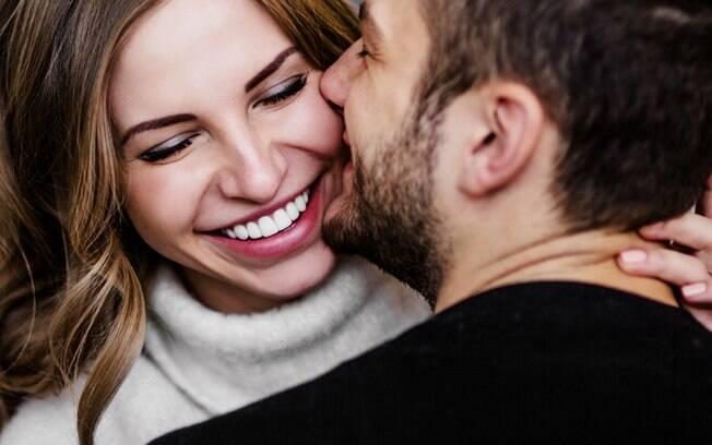 Para não ter problemas no namoro, especialistas afirmam que casal deve se encontrar apenas duas vezes  na semana