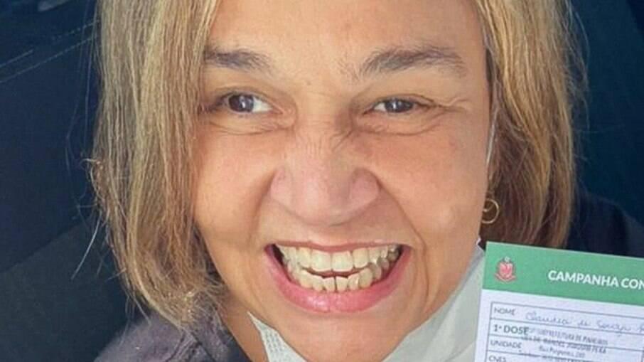 Claudia Rodrigues vacinada