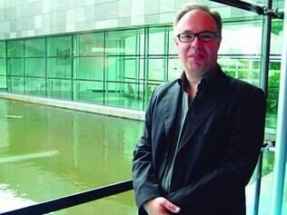 Liderança. O britânico Charles Esche comanda o time de curadores da Bienal de São Paulo