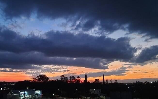 Semana começa com clima ameno e sol entre nuvens em Campinas