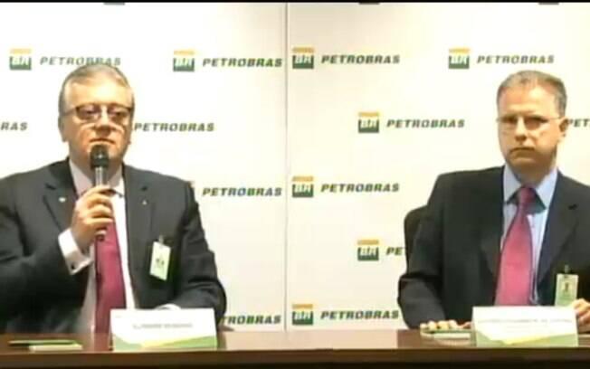 O presidente da Petrobras, Aldemir Bendine (à esquerda), e Antonio Eduardo Castro, gerente da área de planejamento da Petrobras, falam sobre o novo modelo de negócios da empresa