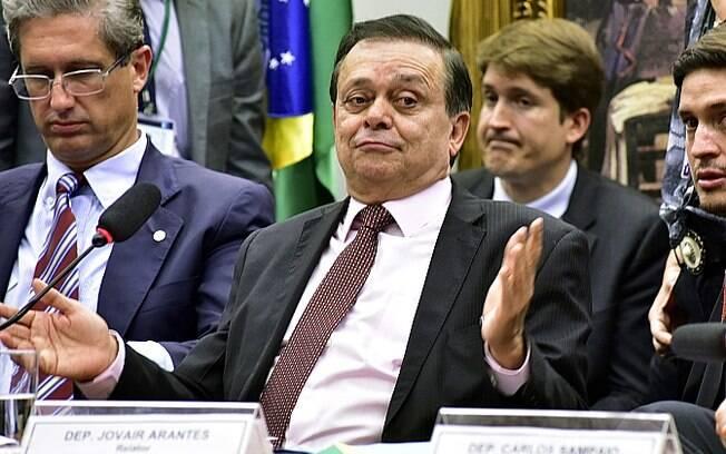 O relator da comissão do impeachment na Câmara, Jovair Arantes, durante leitura de seu parecer