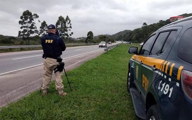 Polícia Rodoviária Federal (PRF) contabilizou 1.464 pessoas feridas contra 1.569 no ano passado, uma redução de 7%
