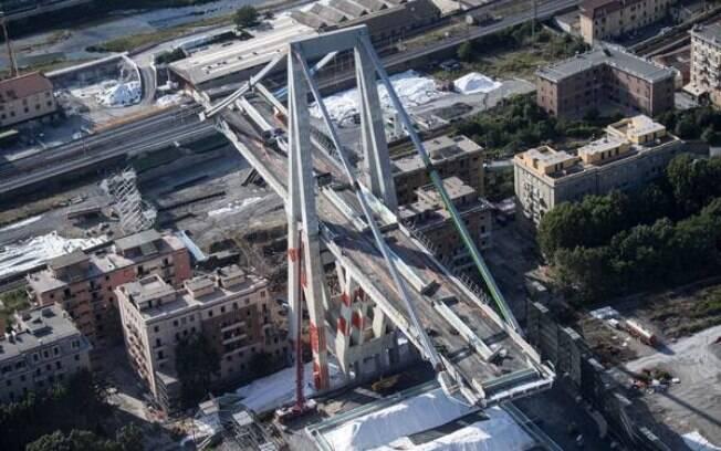 Novo vídeo mostra momento exato de queda de ponte em Gênova; assista