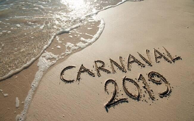Pular carnaval nos principais destinos do país em 2019 pode custar menos de R$1 mil, basta escolher o pacote certo