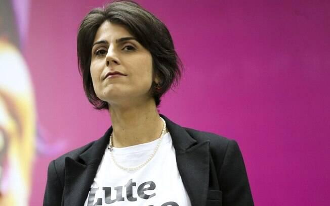 PCdoB interrompe campanha com Manuela D'Ávila após ex-deputada aparecer em investigação contra hackers