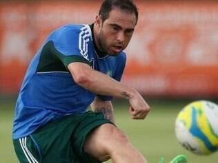 Bruno César está rendendo abaixo do esperado e pode ser barrado no Palmeiras