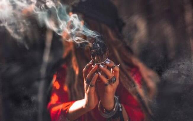 6 magias ciganas para conquistar amor, prosperidade e proteção