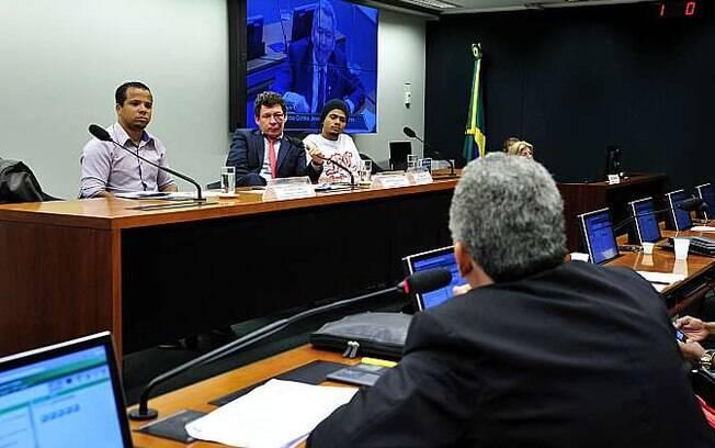 CPI da Violência contra Jovens Negros e Pobres ouviu representantes de movimentos sociais