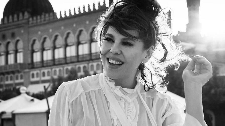 Bárbara Paz entrou para reality show após desistência de participante