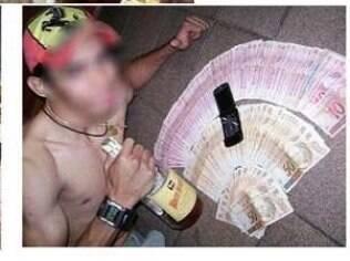 Criminosos mostram dinheiro ganho com golpes em redes sociais