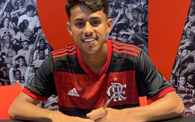Flamengo contrata Gabriel Barros, atacante promessa do Ituano