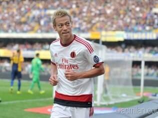 Honda marcou dois gols e foi protagonista do jogo