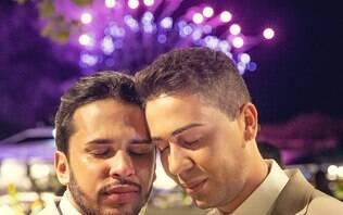 Após críticas, Carlinhos Maia explica por que não beijou noivo no casamento