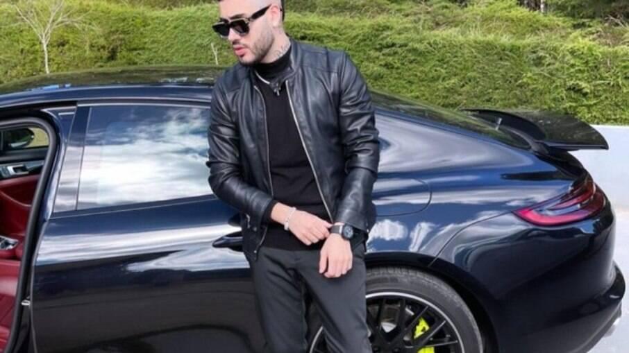 Kevinho ostenta Porsche de R$ 620 ml