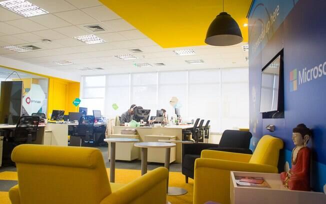 Espaço oferece estrutura para startups com um a dezenas de funcionários; objetivo é gerar conexões com o mercado