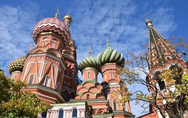A Catedral de São Basílio fica em Moscou e atrai inúmeros turistas todos os anos