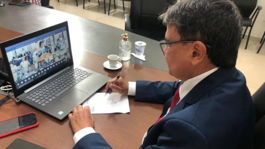 O governador Wellington Dias, coordenador do tema vacina do Fórum Nacional de Governadores