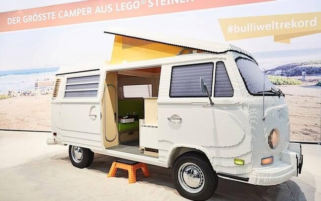 Kombi de Lego de 700 kg foi montada poe 12 pessoas. Carro foi apresentado em Munique, na Alemanha