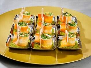 Rolls de cenoura com ingredientes orgânicos...