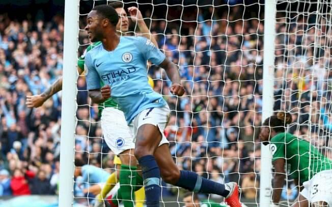 Sterling foi o destaque da vitória do City com três gols
