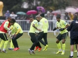 Na Copa do Mundo de 2014, os jogadores faziam treinos abertos e eram acompanhados por vários fãs