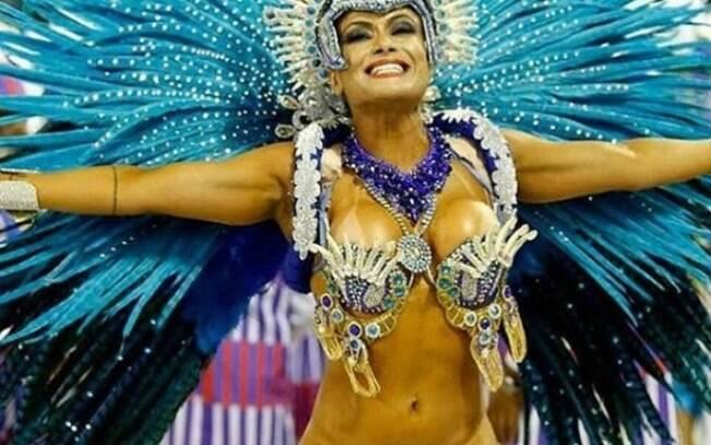 No carnaval, mais polêmica. Dani perdeu seu tapa-sexo de 3 cm antes do desfile e teve que improvisar
