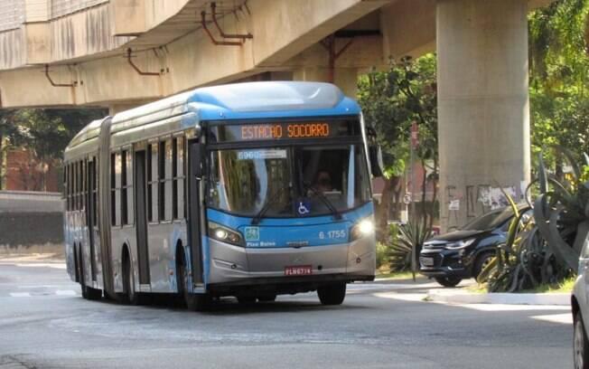 Greve de motoristas da companhia Viação afetou 16 linhas em SP nesta terça (1)