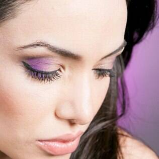 Olho esfumado não precisa ser preto: ensinamos passo a passo 3 variações